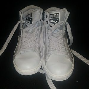 Gray high top Pumas size 8